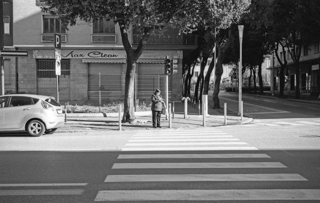 brescia coronavirus reportage fotografico pierluigi cottarelli negozi chiusi